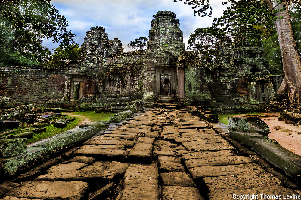 One of the entrances to Banteay Kdei Angkor Temples (Stone Entry Walkway.)