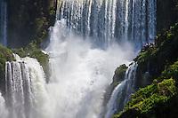 CATARATAS DEL IGUAZU, SALTO BOSETTI, PARQUE NACIONAL IGUAZU, PROVINCIA DE MISIONES, ARGENTINA (© MARCO GUOLI - ALL RIGHTS RESERVED)