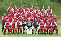 Fotball<br /> Oppkjøring til Bundesliga 2003/2004<br /> Foto: Uwe Speck, Digitalsport<br /> <br /> NORWAY ONLY<br /> <br /> Team FC Bayern München<br /> <br /> h.v.l. Michael BALLACK, Markus FEULNER, Roque SANTA CRUZ, Claudio PIZZARO, Martin DEMICHELIS, Thomas LINKE, Bastian SCHWEINSTEIGER, Alexander Zickler<br /> <br /> dritte r.v.l. Physiotherapeuten Fredi BINDER und Wolfgang GEBHARDT, ZE ROBERTO, Christian LELL, Sebastian DEISLER, Piotr TROCHOWSKI, Tobias RAU, Samuel KUFFOUR<br /> <br /> Zweite R.v.l. Torwart Trainer Sepp MAIER, Physiotherapeut Gerry HOFFMANN, Jens JEREMIES, Robert KOVAC, Zvijezdan MISIMOVIC, Owen HARGREAVES, Rehatrainer Björn ANDERSSON und Oliver SCHMIDTLEIN, Co Trainer Michael HENKE, Trainer Ottmar HITZFELD<br /> <br /> v.v.l. Thorsten FINK, Mehmet SCHOLL, Hasan SALIHAMIDZIC, Jan SCHLÖSSER, Oliver KAHN, Michael RENSING, Willy SAGNOL, Bixente LIZARAZU, Giovane ELBER