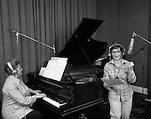 1975 - Maureen Potter at Eamon Andrews Studio