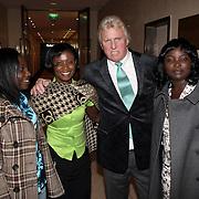 NLD/Amsterdam/20080920 - Modeshow Sheila de Vries 2008, Tom de Vries en Ghanese werkneemsters