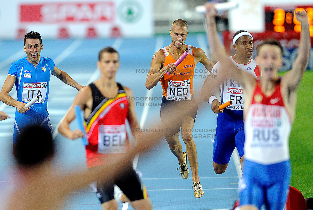 01-08-2010 ATLETIEK: EUROPEAN ATHLETICS CHAMPIONSHIPS: BARCELONA <br /> The Netherlands is seventh at 400 meters relay. Robert Lathouwers has yet to come as the Russians already celebrating<br /> ©2010-WWW.FOTOHOOGENDOORN.NL