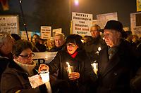 DEU, Deutschland, Germany, Erfurt, 04.12.2014:<br /> Marion Walsmann (MdL, CDU) bei einer Demonstration vor dem Landtag gegen die Bildung einer Rot-Rot-Grünen Regierung mit Bodo Ramelow (Die Linke) als Ministerpräsident.
