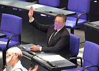 DEU, Deutschland, Germany, Berlin, 05.11.2020: Dr. Konstantin von Notz (Die Grünen) bei einer Abstimmung mit Handzeichen im Plenarsaal des Deutschen Bundestags.