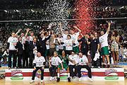 DESCRIZIONE : Torino Coppa Italia Final Eight 2012 Finale Montepaschi Siena Bennet Cantu <br /> GIOCATORE : team<br /> CATEGORIA : coppa esultanza podio team<br /> SQUADRA : Montepaschi Siena<br /> EVENTO : Suisse Gas Basket Coppa Italia Final Eight 2012<br /> GARA : Montepaschi Siena Bennet Cantu<br /> DATA : 19/02/2012<br /> SPORT : Pallacanestro<br /> AUTORE : Agenzia Ciamillo-Castoria/C.De Massis<br /> Galleria : Final Eight Coppa Italia 2012<br /> Fotonotizia : Torino Coppa Italia Final Eight 2012 Finale Montepaschi Siena Bennet Cantu<br /> Predefinita :