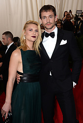Claire Danes and Hugh Dancy attend the China: Through The Looking Glass Costume Institute Benefit Gala at Metropolitan Museum of Art on May 4, 2015 in New York City, NY, USA. Photo by Lionel Hahn/ABACAPRESS.COM    498973_009 New York City Etats-Unis United States