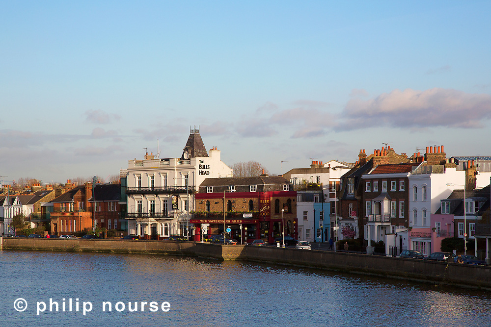 The riverside in Barnes