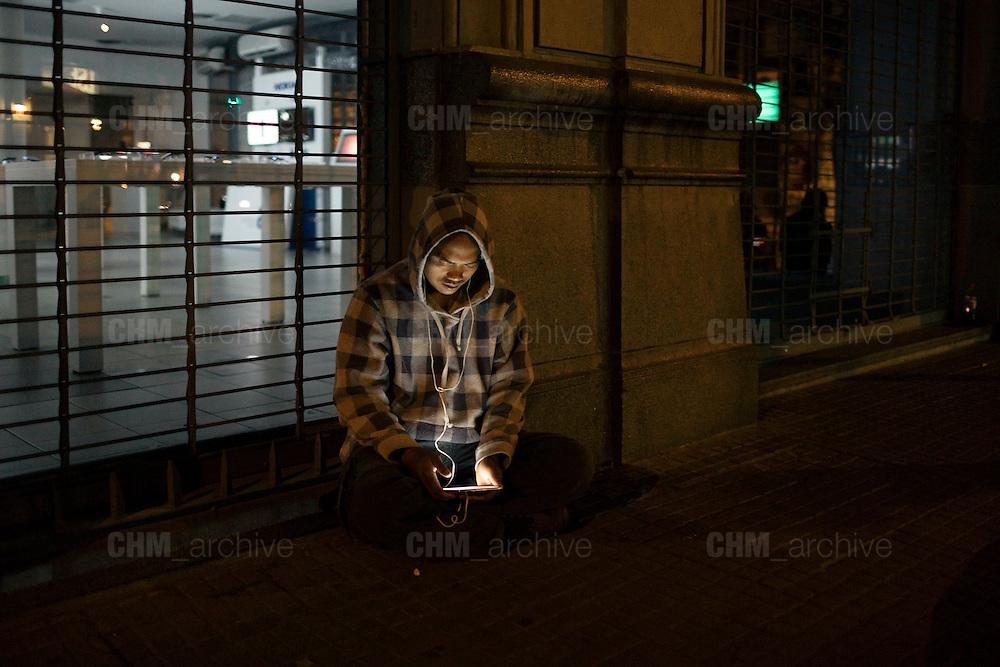 NOMOPHOBIA, December 16, 2014. Christian Mantuano / OneShot