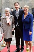 Prinsjesdag 2013 - Aankomst Parlementariërs bij de Ridderzaal op het Binnenhof.<br /> <br /> Op de foto: Jeroen Dijsselbloem - minister van Financiën met zijn partner en moeder