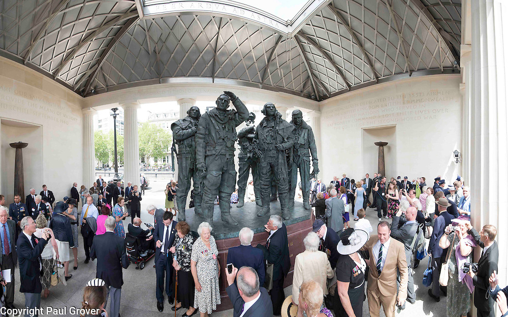 Mcc0040634.DT News.Unveiling of the Memorial to honour the 55,573 airmen of the RAF Bomber Command who died during WW2.Pic Shows The Statue of a Lancaster Bomber Crew in the memorial