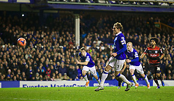 04.01.2014, Goodison Park, Liverpool, ENG, FA Cup, FC Everton vs Queens Park Rangers, 3. Runde, im Bild Everton's Nikica Jelavic misses, penalty, and the chance of, hat-trick, // during the English FA Cup 3rd round match between Everton FC and Queens Park Rangers at the Goodison Park in Liverpool, Great Britain on 2014/01/04. EXPA Pictures © 2014, PhotoCredit: EXPA/ Propagandaphoto/ David Rawcliffe<br /> <br /> *****ATTENTION - OUT of ENG, GBR*****