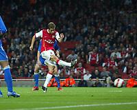 Photo: Chris Ratcliffe.<br /> Arsenal v Dinamo Zagreb. UEFA Champions League, Qualifying. 23/08/2006.<br /> Matthieu Flamini  of Arsenal scoring the second goal to make it 2-1 to Arsenal.