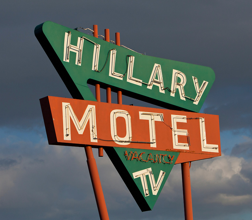 Hillary Motel with free TV sign in Lewiston Idaho.