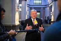 DEU, Deutschland, Germany, Berlin, 16.12.2016: Hessens Ministerpräsident Volker Bouffier (CDU) gibt ein Interview bei einer Sitzung im Bundesrat.