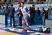 DESCRIZIONE : Cantu, Lega A 2015-16 Acqua Vitasnella Cantu' Enel Brindisi<br /> GIOCATORE : Andrea Zerini<br /> CATEGORIA : Riscaldametno pregame<br /> SQUADRA : Enel Brindisi<br /> EVENTO : Campionato Lega A 2015-2016<br /> GARA : Acqua Vitasnella Cantu' Enel Brindisi<br /> DATA : 31/10/2015<br /> SPORT : Pallacanestro <br /> AUTORE : Agenzia Ciamillo-Castoria/I.Mancini<br /> Galleria : Lega Basket A 2015-2016  <br /> Fotonotizia : Cantu'  Lega A 2015-16 Acqua Vitasnella Cantu'  Enel Brindisi<br /> Predefinita :