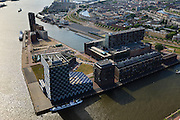 Nederland, Zuid-Holland, Rotterdam, 23-05-2011;.Lloydkwartier, Mullerhoofd (Muellerhoofd) en Parkhaven met nieuwbouw. Het geblokte gebouw is de Zeevaartschool.View on urban renewal and modern architecture in a former harbour..luchtfoto (toeslag), aerial photo (additional fee required).copyright foto/photo Siebe Swart