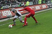 Deutschland, Hamburg. 12.02.16 2. Fussball Bundesliga Saison 2015/16 - 21. Spieltag FC St. Pauli - RasenBallsport Leipzig<br /> im Millerntorstadion<br /> <br /> Marc Rzatkowski (St, Pauli, l.) - Massimo Bruno (Leipzig)<br /> <br /> © Torsten Helmke
