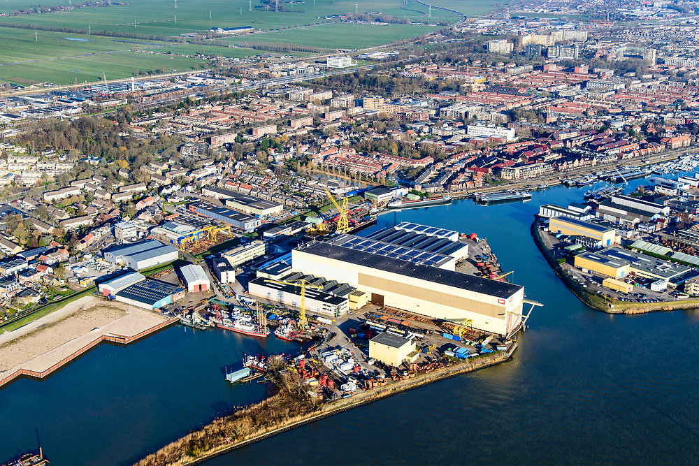 Nederland, Zuid-Holland, Sliedrecht, 07-02-2018; werfen aan de Baanhoek, Beneden Merwede, onder andere IHC IQIP.<br /> Shipyards at river Merwede.<br /> luchtfoto (toeslag op standard tarieven);<br /> aerial photo (additional fee required);<br /> copyright foto/photo Siebe Swart