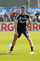 24.04.2014, Veltins Arena, Gelsenkirchen, GER, 1. FBL, Training Schalke 04, im Bild Julian Draxler ( Schalke 04 ) bei Dehnungsuebungen. // during a Trainingsession of German Bundesliga Club Schalke 04 at the Veltins Arena in Gelsenkirchen, Germany on 2014/04/24. EXPA Pictures © 2014, PhotoCredit: EXPA/ Eibner-Pressefoto/ Thienel<br /> <br /> *****ATTENTION - OUT of GER*****
