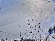 Nederland, Noord-Holland, Gemeente Waterland, 13-02-2021; door de strenge winter en de stevige vorst is zelfs het water van de Gouwzee bevroren. IJszeilers en schaatsers maken tochten tussen Monnickendam en Marken.<br /> Due to the severe winter and heavy frost, even the water of the Gouw sea has been frozen. Ice sailors and skaters make trips between Monnickendam and Marken.<br /> <br /> luchtfoto (toeslag op standaard tarieven);<br /> aerial photo (additional fee required)<br /> copyright © 2021 foto/photo Siebe Swart