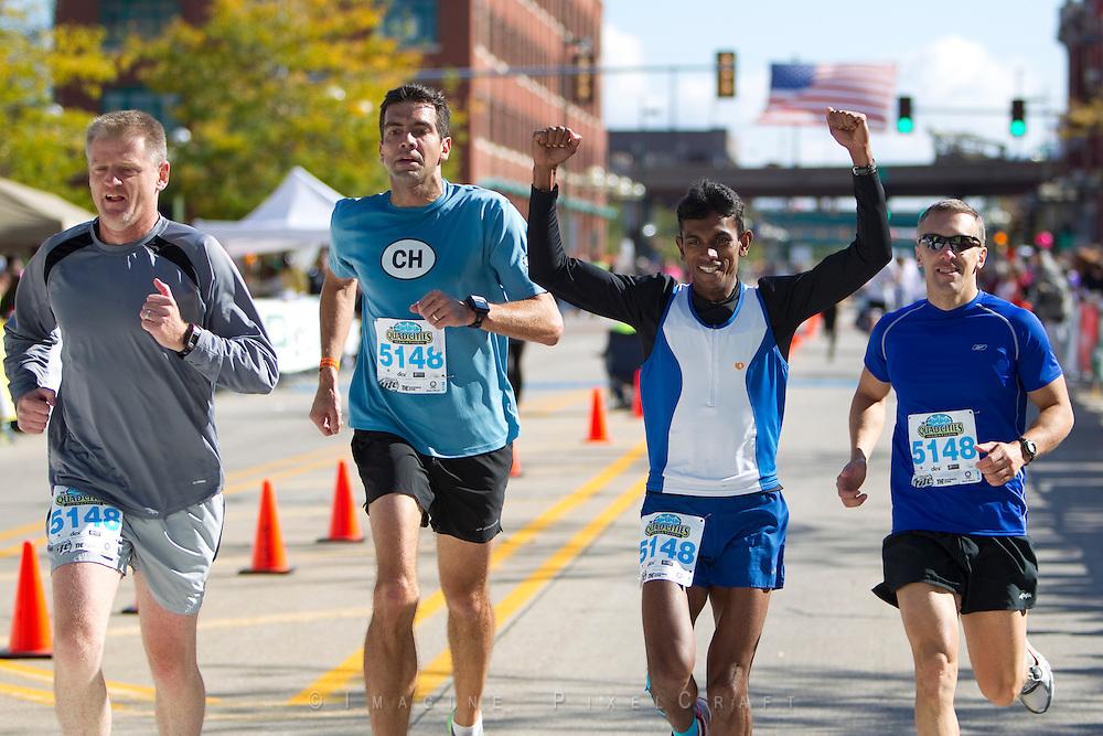 Relay racing is funa at the Quad Cities Marathon!