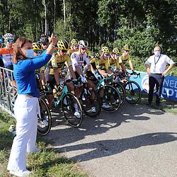 21-08-2020: Wielrennen: NK U23: Drijber <br /> Startschot