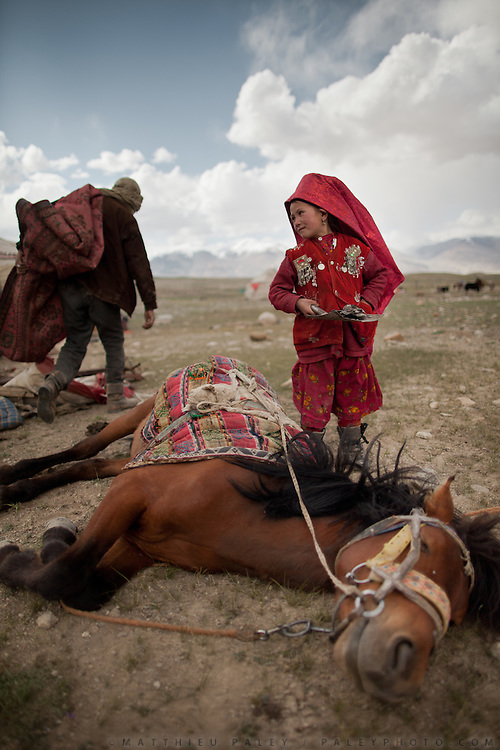 Aziz's horse sleep...Trekking through the high altitude plateau of the Little Pamir mountains (average 4200 meters) , where the Afghan Kyrgyz community live all year, on the borders of China, Tajikistan and Pakistan.