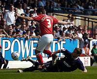 Photo: Olly Greenwood.<br />Southend United v Barnsley. Coca Cola Championship. 14/04/2007. Southend's Simon Francis and Barnsley's Paul Heckingbottom
