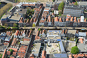 Nederland, Zuid-Holland, Leiden, 09-04-2014; centrum Leiden Vliet en Molensteeg. Detail.<br /> Schoolplein basisschool met zonnepanelen.<br /> Close-up old town and heart of the city of Leiden with canals.<br /> luchtfoto (toeslag op standard tarieven);<br /> aerial photo (additional fee required);<br /> copyright foto/photo Siebe Swart
