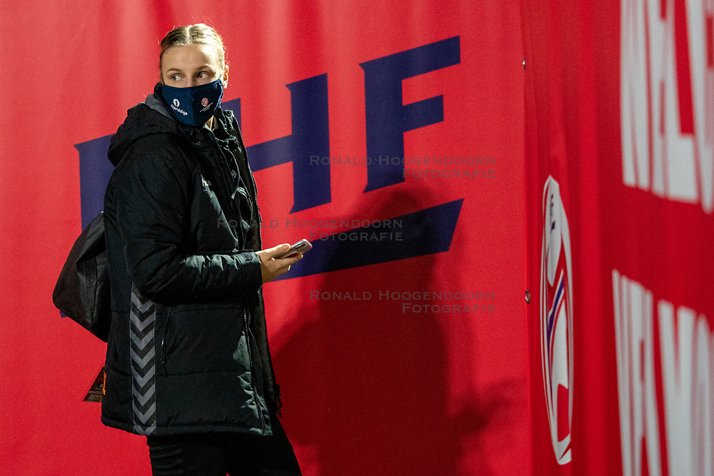 Dutch handball player Rinka Duijndam on her way to training. The match during the first round of the European Championship handball against Serbia has been postponed for one day due to a corona case at the Serbian team on December 4, 2020 in Kolding