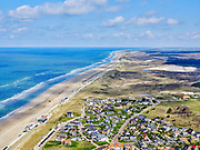Nederland, Noord-Holland, Bergen, 07-05-2021; Bergen aan Zee met Noordzeestrand.<br /> <br /> luchtfoto (toeslag op standaard tarieven);<br /> aerial photo (additional fee required)<br /> copyright © 2021 foto/photo Siebe Swart