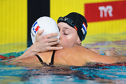 August 6, 2018 - Glasgow, UNITED KINGDOM - 180806 Charlotte Bonnet of France gets a kiss from Femke Heemskerk of Netherlands after the final of women's 200 meter freestyle swimming during the European Championships on August 6, 2018 in Glasgow..Photo: Joel Marklund / BILDBYRN / kod JM / 87769 (Credit Image: © Joel Marklund/Bildbyran via ZUMA Press)