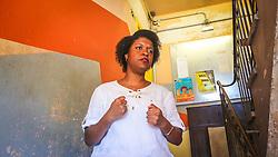 """PORTO ALEGRE, RS, BRASIL, 21-01-2017, 13h09'56"""":  Desiree dos Santos, 32, no Matehackers Hackerspace da Associação Cultural Vila Flores, no bairro Floresta da capital gaúcha. A  Consultora de Desenvolvimento de Software na empresa ThoughtWorks fala sobre as dificuldades enfrentadas por mulheres negras no mercado de trabalho.(Foto: Gustavo Roth / Agência Preview) © 21JAN17 Agência Preview - Banco de Imagens"""