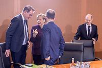 29 JAN 2020, BERLIN/GERMANY:<br /> Gerd Mueller, CSU, Bundesentwicklungshilfeminister, Angela Merkel, CDU, Bundeskanzlerin, Heiko Maas, SPD, Bundesaussenminister, und Olaf Scholz, SPD, Bundesfinanzminister, (v.L.n.R.), im Gespraech, vor Beginn der Kabinettsitzung, Bundeskanzleramt<br /> IMAGE: 20200129-01-008<br /> KEYWORDS: Kabinett, Sitzung, Gerd Müller, Gespräch