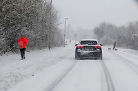 people out driving in the snow ambrosden oxfordshire i,24th jan 2021.photo by Brian Jordan