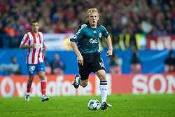 MADRID, SPAIN - Wednesday, October 22, 2008: Liverpool's Dirk Kuyt in action against Club Atletico de Madrid during the UEFA Champions League Group D match at the Vicente Calderon. (Photo by David Rawcliffe/Propaganda)