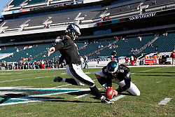 Philadelphia Eagles PK David Akers #2 warms up before the NFL game between the Washington Redskins and the Philadelphia Eagles on November 29th 2009. The Eagles won 27-24 at Lincoln Financial Field in Philadelphia, Pennsylvania. (Photo By Brian Garfinkel)