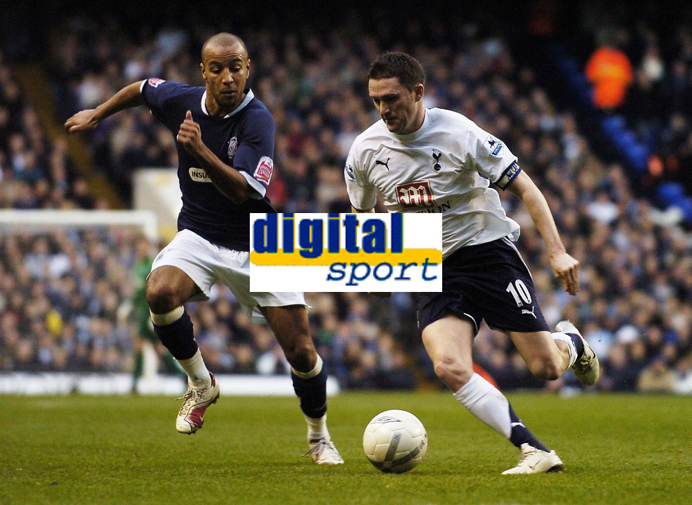 Photo: Olly Greenwood.<br />Tottenham Hotspur v Southend United. The FA Cup. 27/01/2007. Spurs' Robbie Keane and Southend's Lee Bradbury