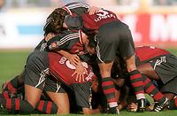 Fotball: Bundesliga 2001/2002. 1:2 Torjubel Bayern München nach Tor von Fink<br />                       1860 München - Bayern München  1:5