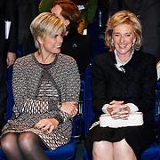 BEL/Brussel/20130319- Uitreiking Prinses Margriet Award 2013, Prinses Laurentien en Astrid