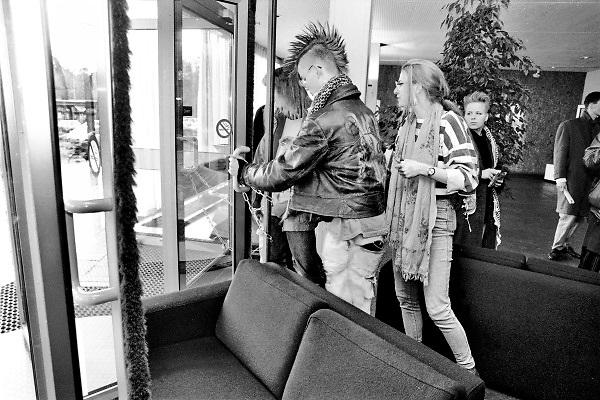 Nederland, NijmegenStudentenactie, studentenprotest, in de jaren 80 en begin 90 .Demonstratie van studenten tegen de wet op de studiefinanciering en hervormingen in het wetenschappelijk onderwijsdoor minister Deetman. Die kreeg te maken met grote demonstraties van studenten na de verhoging van de collegegelden en het verkorten van de studieduur.Foto: Flip Franssen