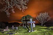 Graveyard, Herøy Gard-Norway, around midnight, lighten with torch | Gravplass ved Herøy Gard, rundt midnatt. Opplyst med lommelykt.