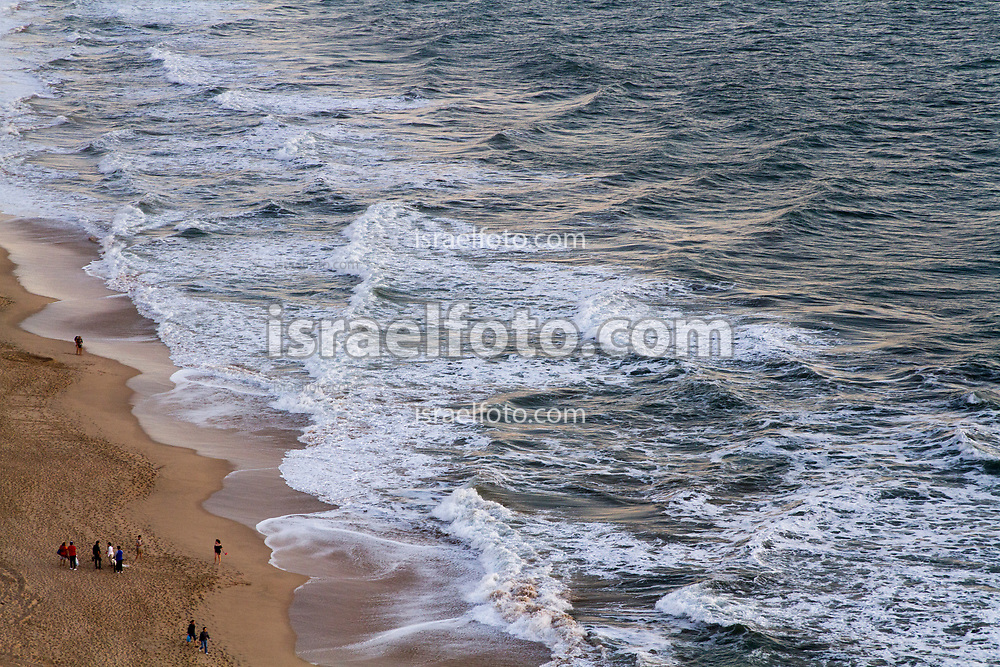 25 de febrero de 2018. Mazatlán, Sinaloa, México. Personas en la playa, en Mazatlán, Sinaloa. People on the beach at Mazatlan.