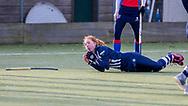 BILTHOVEN -  Hoofdklasse competitiewedstrijd dames, SCHC v hdm, seizoen 2020-2021.<br /> Foto: Tessa Beetsma (hdm) heeft pijn aan haar handen na een val