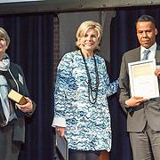 NLD/Amsterdam/20160121 - Uitreiking Taalhelden prijzen 2016 door Prinses Laurentien, Prinses Laurentien en Tim Cathalina