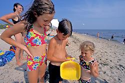 Kids Looking At Jellyfish