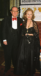 The DUKE & DUCHESS DE LAS TORRES at a ball in London on 12th March 1999.MPH 24.