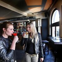 Nederland, Amsterdam , 22 april 2014.<br /> Swych, hapjes en coctail bar aan de Nieuwe Doelenstraat voor de rubriek A-locatie.<br /> Foto:Jean-Pierre Jans