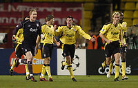 Fotball<br /> Champions League 2004/05<br /> Monaco v Liverpool<br /> 23. november 2004<br /> Foto: Digitalsport<br /> NORWAY ONLY<br /> Liverpool players react with anger and disbelief as Monaco's goal is allowed to stand