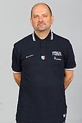 DESCRIZIONE : Roma Acqua Acetosa Nazionale Italia Donne <br /> GIOCATORE : Roberto Ricchini<br /> CATEGORIA : ritratto posato coach<br /> SQUADRA : Italia Nazionale Donne Femminile<br /> EVENTO : Ritiro collegiale<br /> GARA :<br /> DATA : 21/05/2012 <br /> SPORT : Pallacanestro<br /> AUTORE : Agenzia Ciamillo-Castoria/ElioCastoria<br /> Galleria : FIP Nazionali 2012<br /> Fotonotizia : Roma Acqua Acetosa Nazionale Italia Donne <br /> Predefinita :